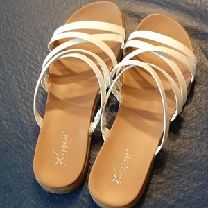 Xappeal white sandals